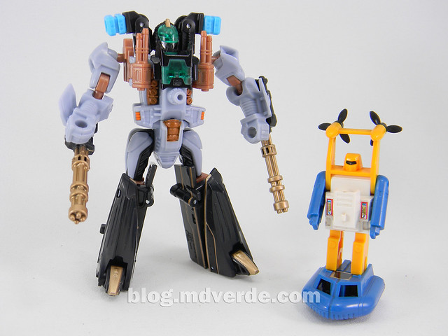 Transformers Undertow con Waterlog Power Core Combiners - modo robot vs Seaspray