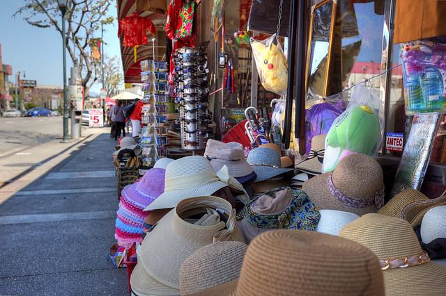 Streetside Hats, Chinatown