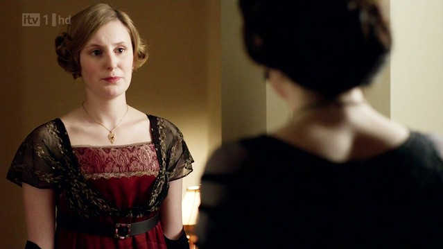 DowntonAbbeyS02E04_Edithredblack