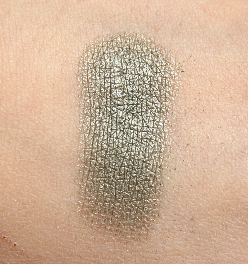 apoliva oliv swatch