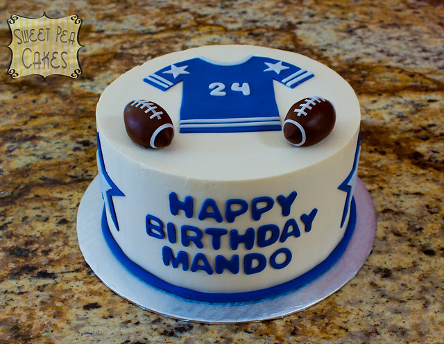 Football Themed Cakes http://www.flickr.com/photos/sweetpea0613/7065861605/