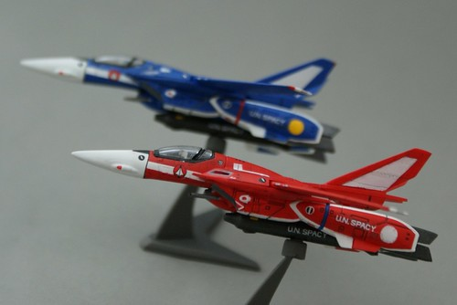 F-toys 1/144 - VF-1J Valkyrie  - Maximilian + Milia Jenius - 1