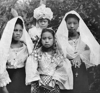 Visayan girls, Cebu Island, Philippines, late 19th or early 20th Century