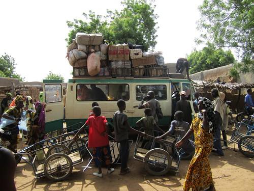 Sobre la carga de ese vehículo llegué a Mougna.