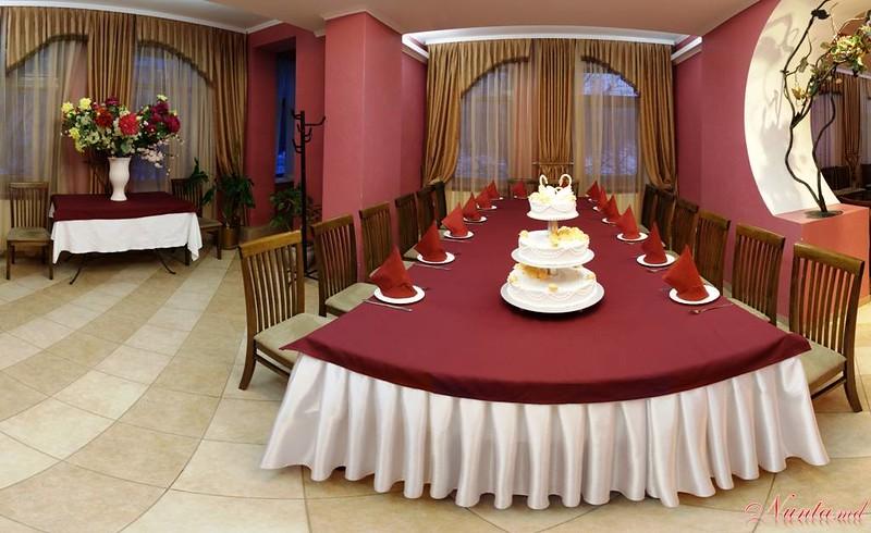 Ресторан  Sarm > Малый зал 30-35 персон