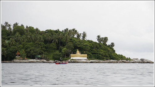 Approaching Koh Kaew Yai