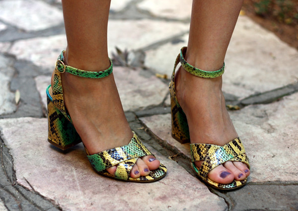 nine_west_snake_print_yellow_green_sandals_heels