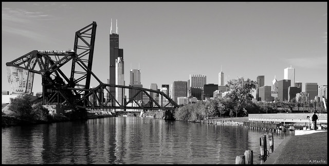 St. Charles Air Line Bridge eats Chicago