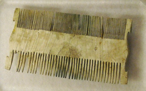 Ivory comb from Pompeii (79 AD) - Antiquarium of Boscoreale / Naples