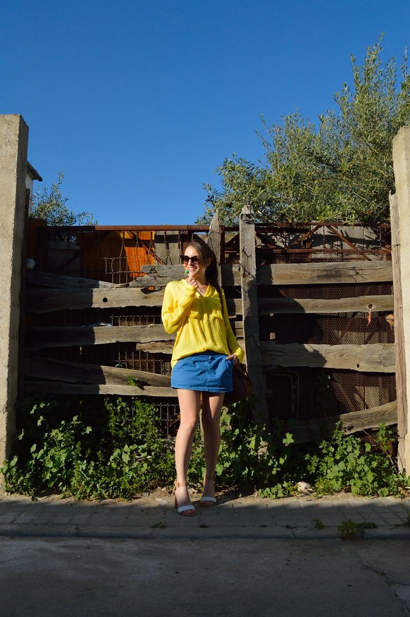 lara-vazquez-madlulablog-style-yellow-blue-look