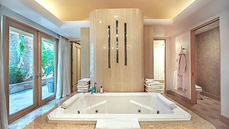 Ванная в доме Памелы Андерсон