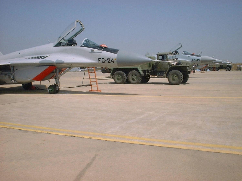 صور طائرات القوات الجوية الجزائرية  [ MIG-29S/UB / Fulcrum ] 27369252891_f748a13c86_o