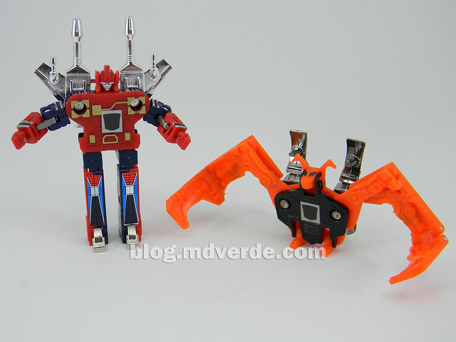 Transformers Enemy - G1 Encore - modo robot vs Wingthing