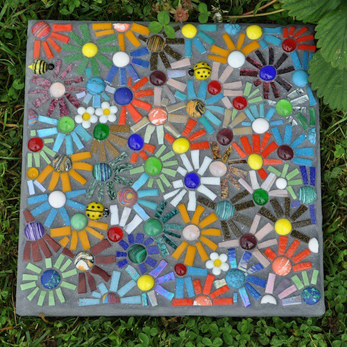 Mosaic stepping stone flickr photo sharing for Garden mosaic designs