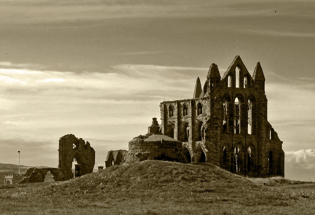 Whitby Abbey b&w