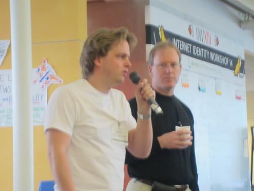 Markus Sabadello (l), Drummond Reed (r) @ IIW 2012