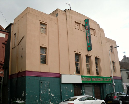 Troxy Cinema, Leven, from left