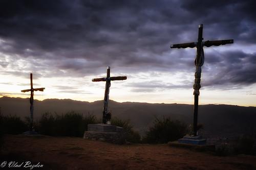 city morning travel mountain mountains blanco peru cuzco sunrise cross cusco historical cristo pe cristoblanco saqseywaman