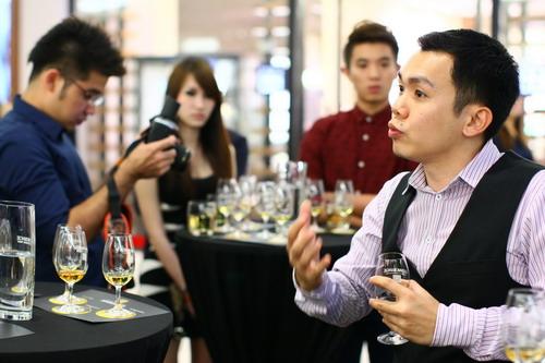 C-Glenmorangie Brand Ambassador  Ben Ng