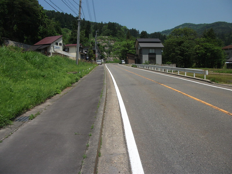 山古志 闘牛場への道