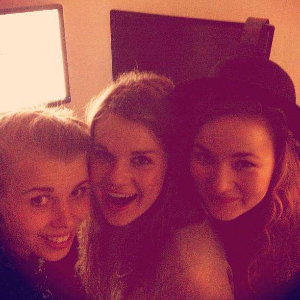 #crazy #girls #bestfriends #lucky #urkkimukut #handsome #kesänlapsimäoon #friends #bitches @miinamaitoparta @kihveli550