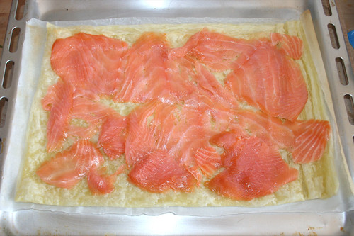 19 - Mit Lachs belegen / Substantiate with smoked salmon