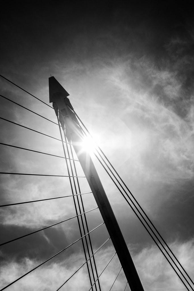Samuel Beckett bridge, Dublin, Ireland picture