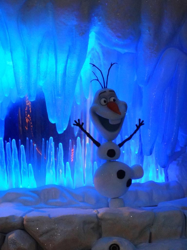 Un séjour pour la Noël à Disneyland et au Royaume d'Arendelle.... - Page 4 13695599345_f32949ebd3_b