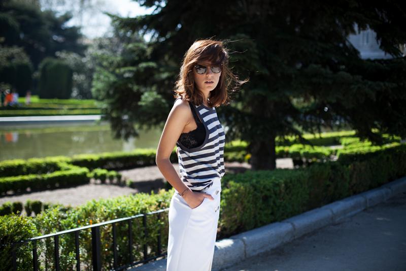 Falda-Blanca-Botones-Dorados-Zara-002