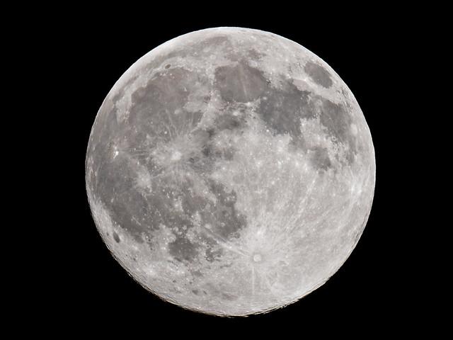Moon, 19.06.2016