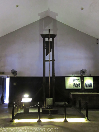 The Guillotine at Hoa Lo