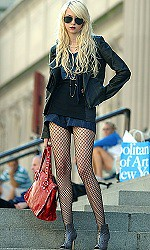 Taylor Momsen Patterned Tights Celebrity Style Woman's Fashion