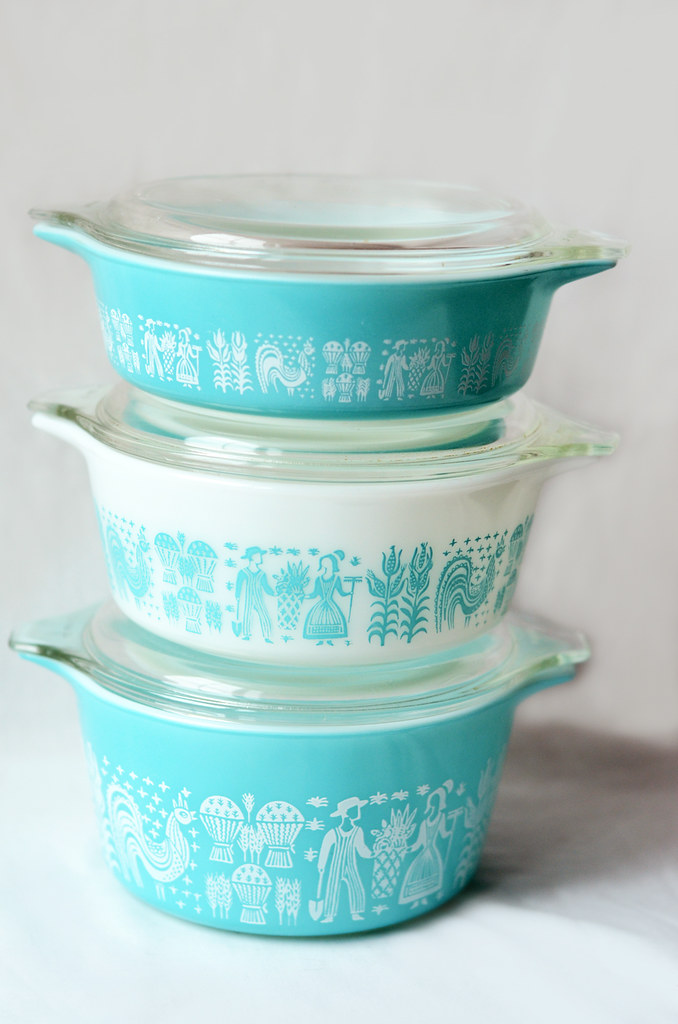 "Vintage Pyrex ""Butterprint"" Casserole Dishes"