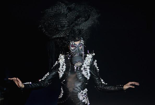 China+Fashion+Week+2012+13+W+Collection+Day+B2IIdXVXy18l