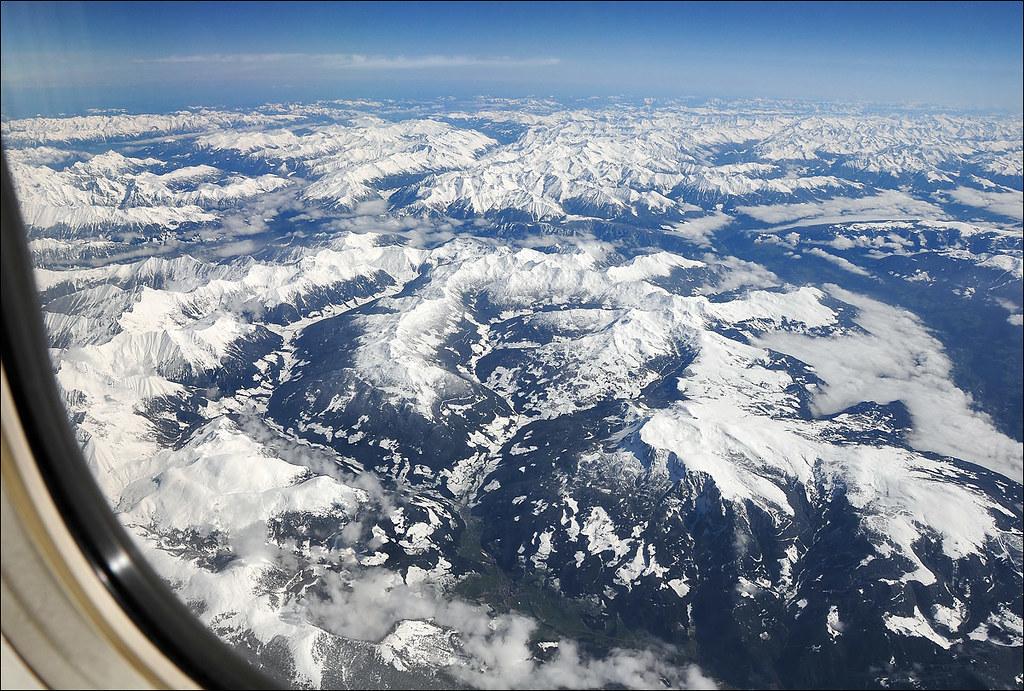 Le Alpi Orientali dal finestrino...dell'aereo!! 7248251752_327936aed3_b