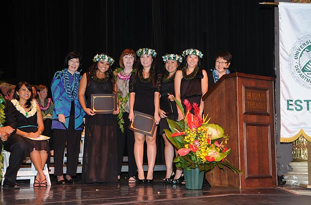 <p>The UH Manoa dental hygiene class officers with Instructor Julee Omori, Dean Mary Bolan and Assistant Professor Patsy Fujimoto</p>