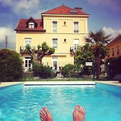 Je pense à vous, bon baisers de #bourgoinjallieu #pool