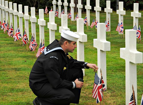 American Cemetery, Brookwood, England (U.S. Navy photo by Mass Communication Specialist 2nd Class Jennifer L. Jaqua)