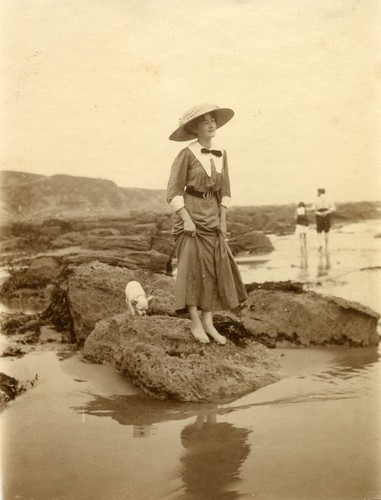 On the beach. 1910s.