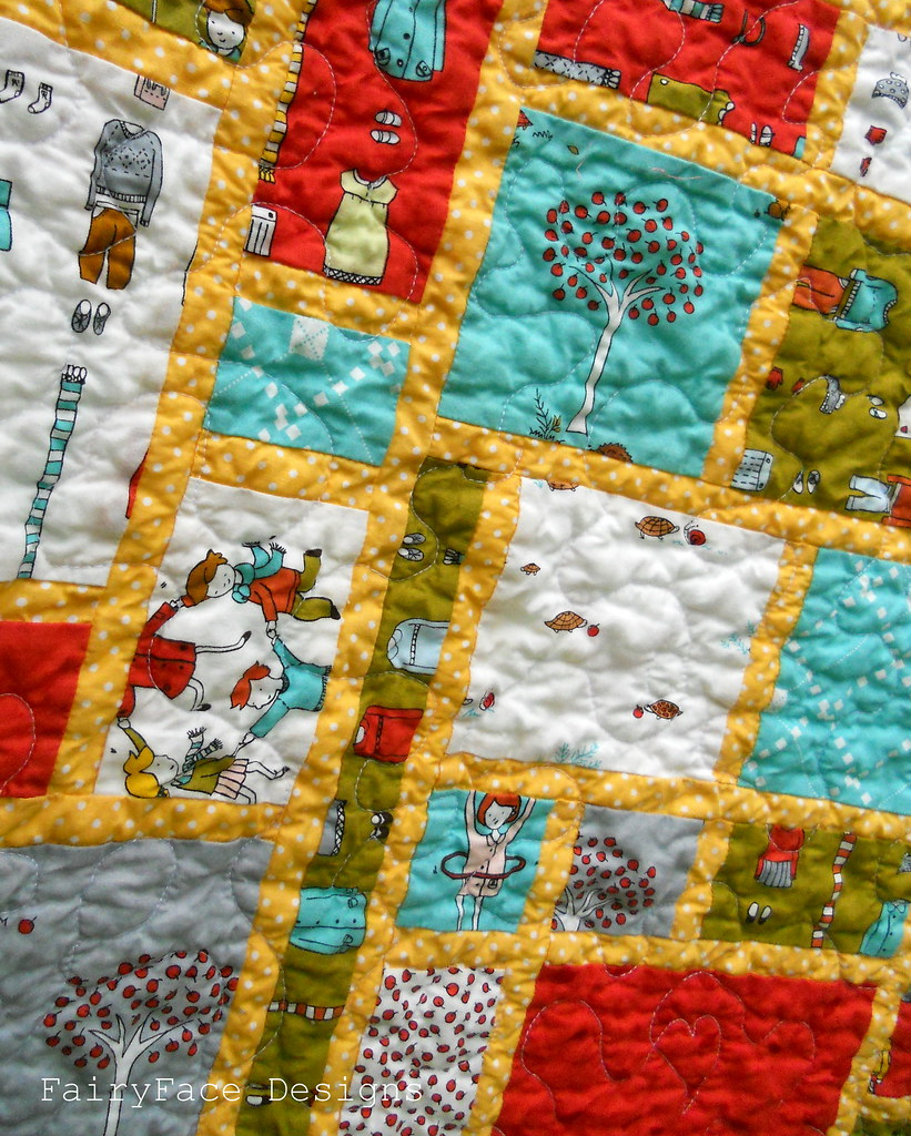 Little Apples Stained Quilt closeup3