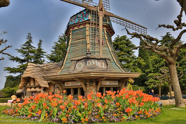 DLP April 2012 - Wandering through Fantasyland