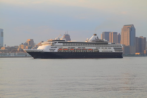 Cruise Ship Veendam on the Hudson River by pmarella