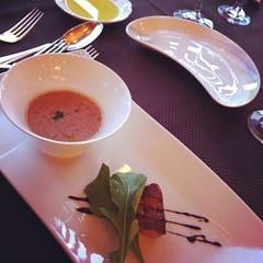 フォアグラのソテーとうずら豆のスープ。