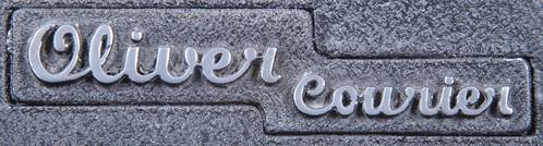 Oliver Courier logo