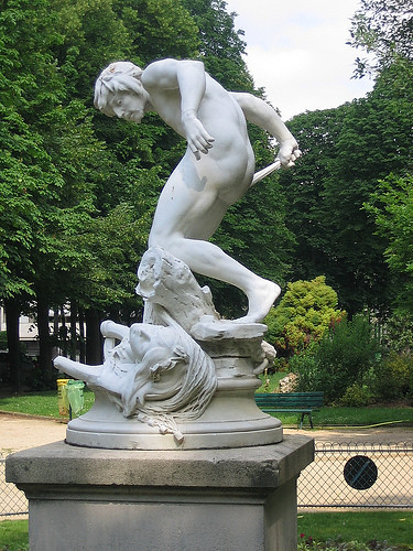 IMG 8903 _ Pêcheur ramenant la tête d'Orphée dans ses filets (1883), Louis-Eugène Longepied (1849-1883), Marbre, Jardins du Ranelag, Paris