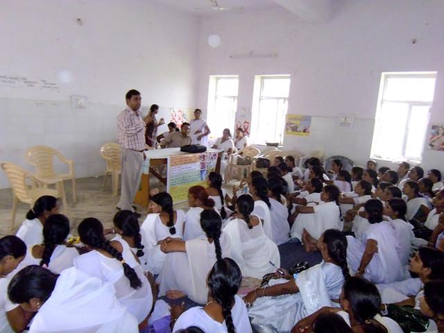 जिले में फ्लोरोसिस रोकथाम के लिये चलाया जा रहा प्रशिक्षण कार्यक्रम
