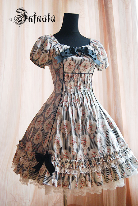 Infanta_Charlotte_A_Line_Lace_Up_Lolita_Dress