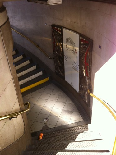 Steps down to Bank station in London by despod