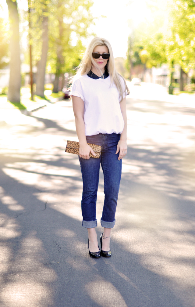 cuffed jeans and a white boyfriend t-shirt-leather collar-leopard clutch
