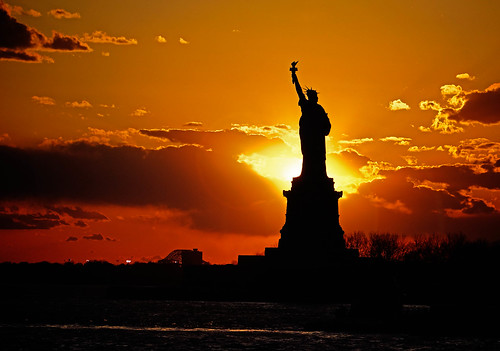 [Free Images] Arts, Sculptures, Sunrise / Sunset, Statue of Liberty, Landscape - United States of America ID:201204162000